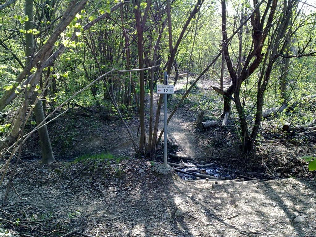 Indicazioni sentiero 12