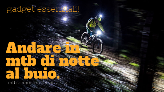 Mountain Bike di notte al buio