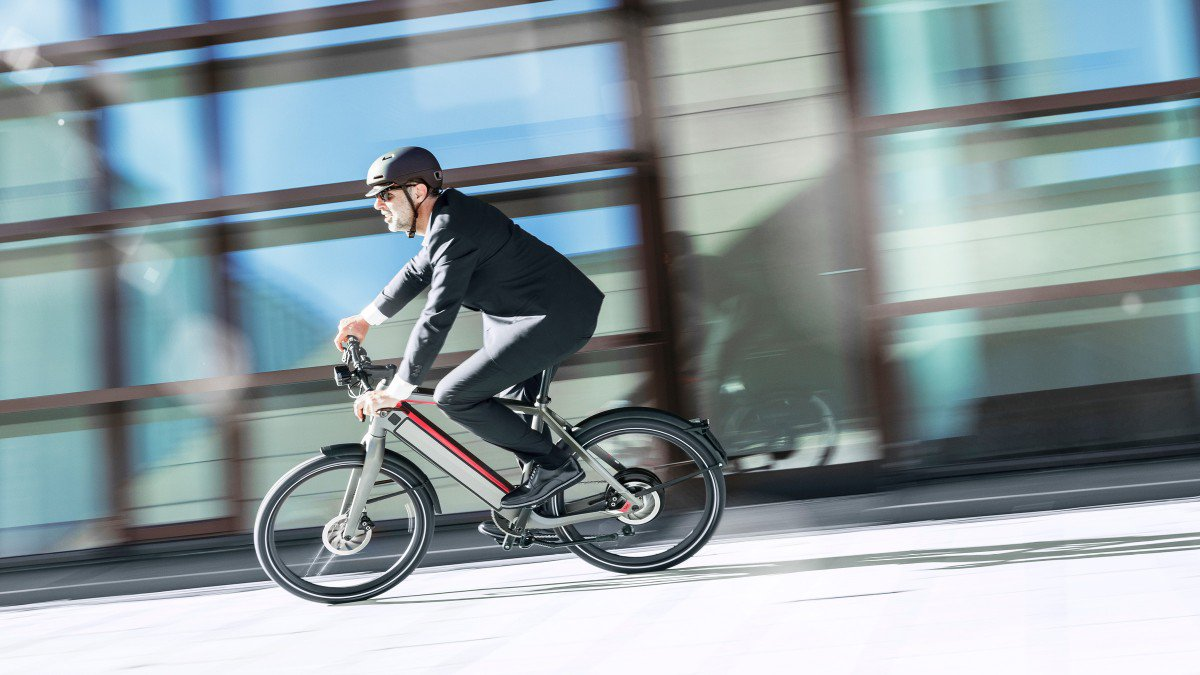 A lavoro in bici: aiuta davvero a tornare in forma?