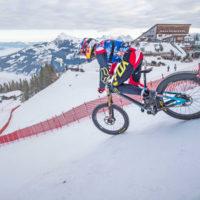 Downhill sulla pista da sci più ripida del mondo