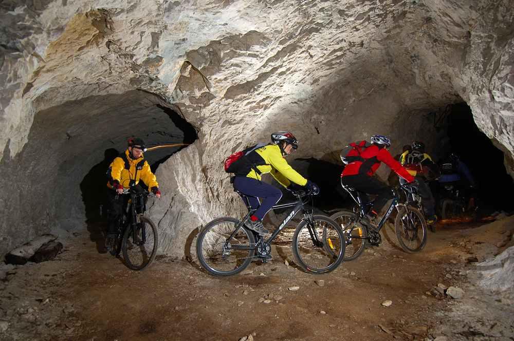 In MTB nelle Grotte