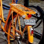 Una targa alle biciclette per identificare i ciclisti indisciplinati